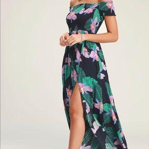 NWOT Lulu's Navy Blue Floral Print Maxi Dress